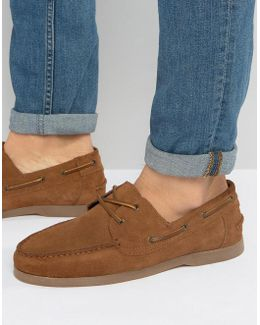 Boat Shoes In Tan Suede With Gum Sole