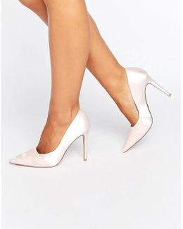 Archivve Ribbon Detail Pointed Pumps