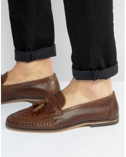 Loafers In Woven Tan Leather With Tassel Detail