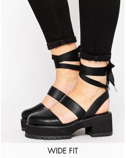 Oblong Wide Fit Chunky Heels