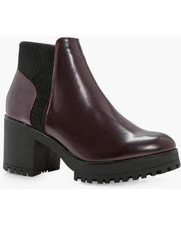 Una Platform Chelsea Boot