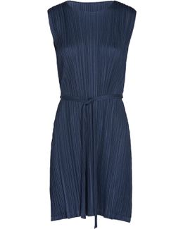 Melow Pleats Sleeveless Dress