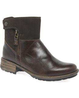 Sandra 24 Zip Womens Casual Boots