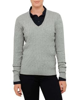 Classic Cable V-nk Sweater