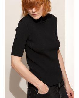 Black Turtelneck Pullover With Short Sleeves