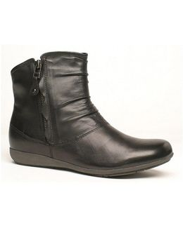 Faye 05 Ankle Booties