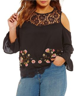 Plus Dara Lace Embroidery Top