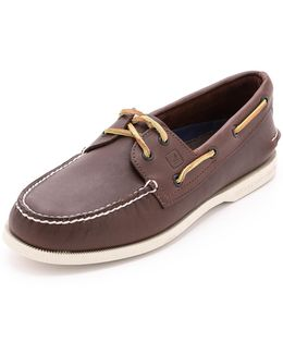 A/o Classic Boat Shoes On White Sole