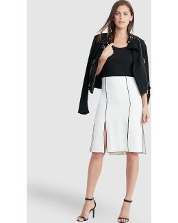 White Skirt With Contrasting Piping