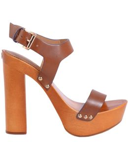 Leather Sandal With Plateau