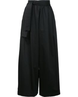 Wide-legged Cropped Trousers
