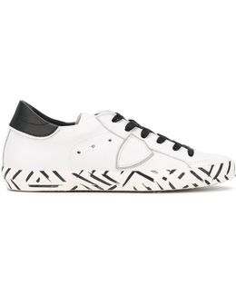 Classic Africa Sneakers