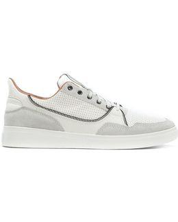 Vipe Sneakers
