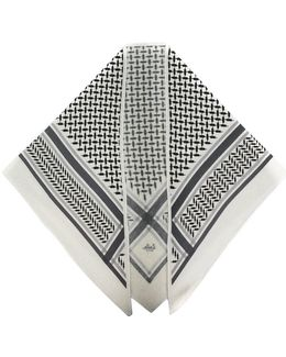 Triangle Neo Scarf
