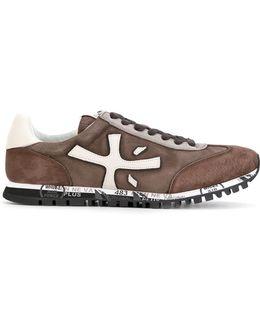 Mat Sneakers