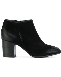 Low-rise Heeled Boots