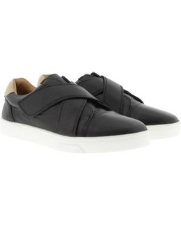 Issie Slip On Sneaker Black/sand Storm