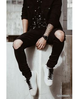 Ripped Knee Slim-fit Jeans