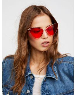Eyes On Me Sunglasses