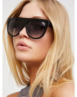 Throwing Shade Shield Sunnies