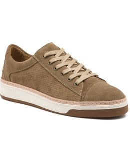 Dash Sneaker