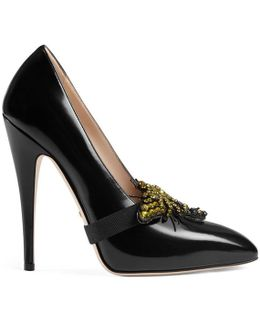 Leather Pump With Removable Crystal Bee