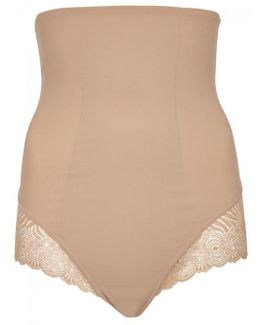 Top Model Almond Shaping Briefs