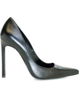 -tia Classic Court Shoe In Black