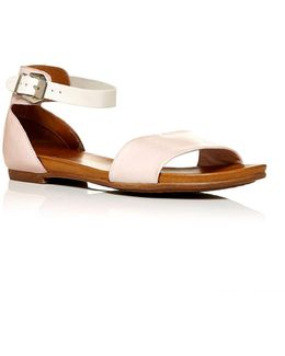 Noelle Flat Casual Sandals