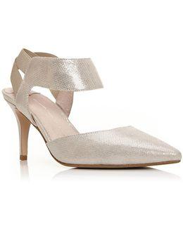 Carmona Court Shoes