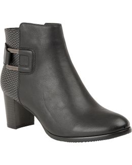 Jeckle Ankle Boots