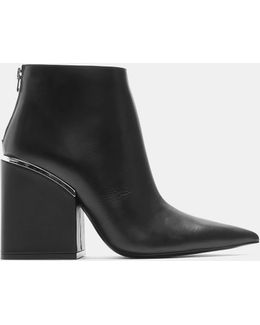 Oversized Block Heeled Pointed Toe Ankle Boots In Black