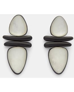 7798 Ebony And Pearl Leaf Clip-on Earrings In Black And White