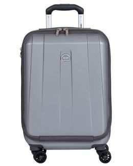 Helium Shadow 19-inch Carry-on Spinner Suiter Trolley