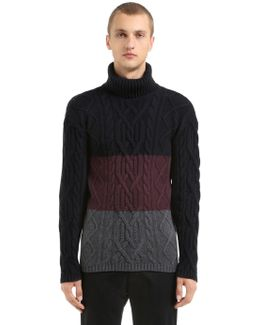 Mixed Wool Turtle Neck Knit Sweater