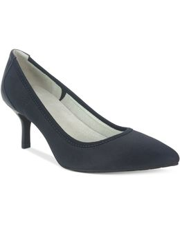 Toby Stretch Pumps