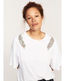 Decorative Appliqué T-shirt