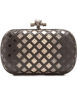 Knot Water-snake Clutch