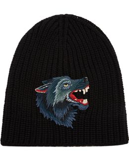 Wolf-appliqué Wool Beanie Hat