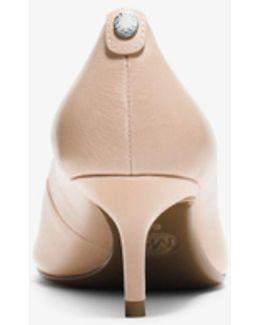 Flex Leather Kitten-heel Pump