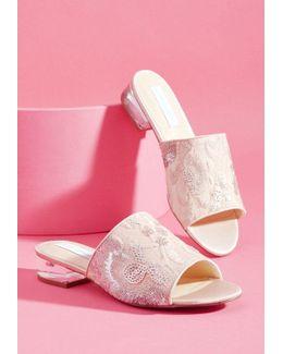 Regale With Detail Sandal