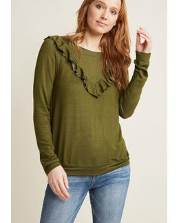 Ruffle V Pullover In Olive