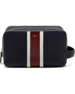 Wash Case With Handle