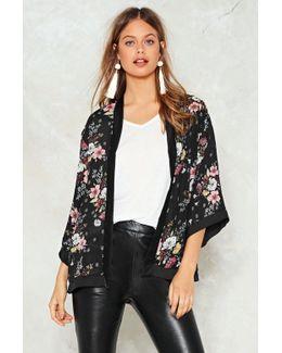 Black Based Floral Kimono Black Based Floral Kimono