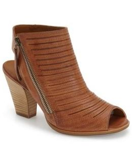 Cayanne Leather Sandals