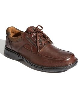 Clarks 'un. Bend' Oxford