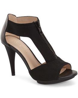 'merit' T-strap Sandal