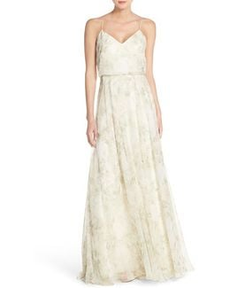 Inesse V-neck Chiffon Gown