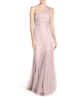 One-shoulder Tulle Trumpet Gown