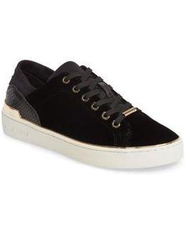 Scout Sneaker